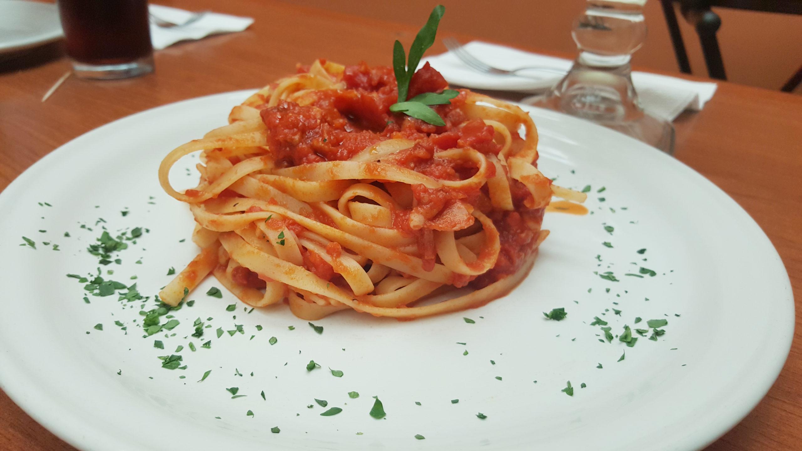 El italiano come pasta, pizza y..¿ no engorda?